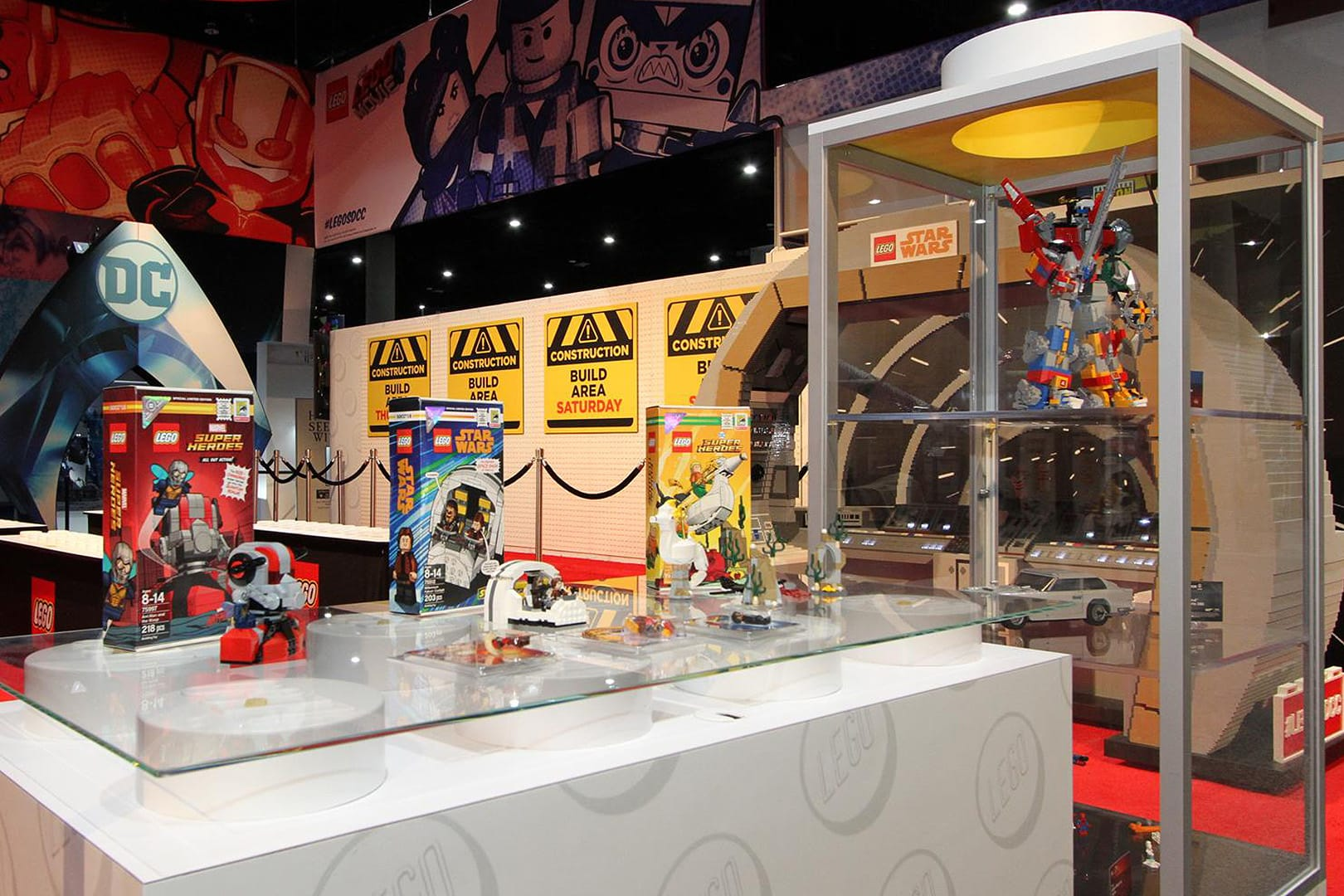 Comic-Con Booth Design: MS, Andy Munoz, Jen Healy, Dave Cross, Creatacor